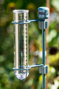 Meteorology with a rain gauge in the garden